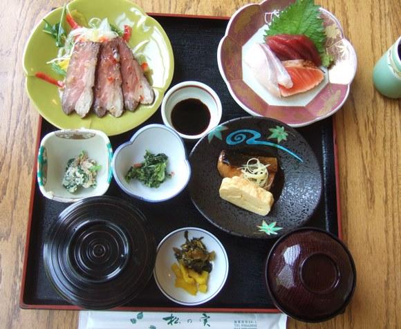 やしろ鴨川6・松の実定食.jpg
