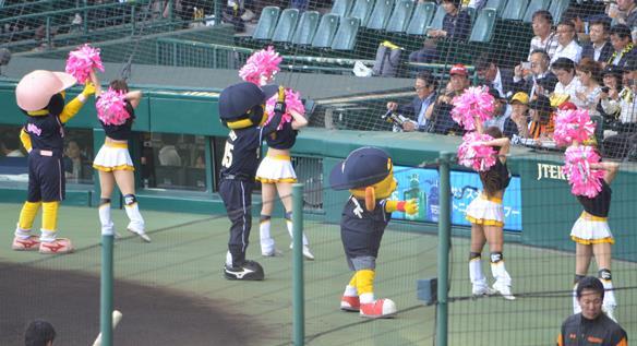 タイガース3・ガールズ.JPG