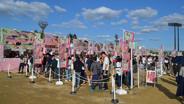 ラーメン4・ブース行列.JPG