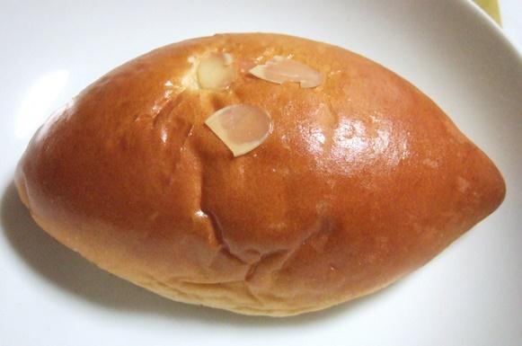 ルフラン5・クリームパン.JPG