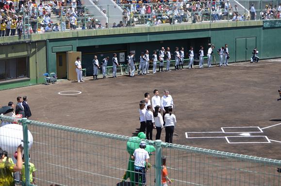 ローズ球場6・国旗掲揚.JPG