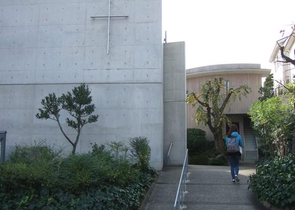 光の教会9・左礼拝堂、正面牧師館.jpg