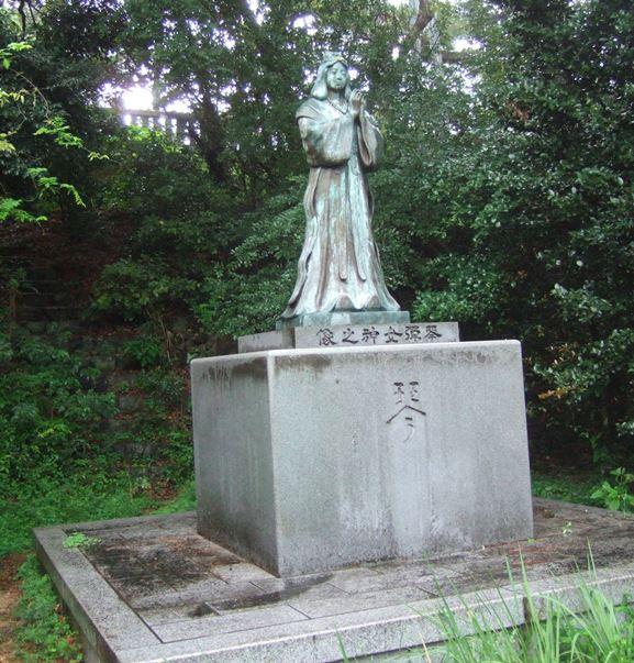 八幡宮13・琴弾女神之像.JPG