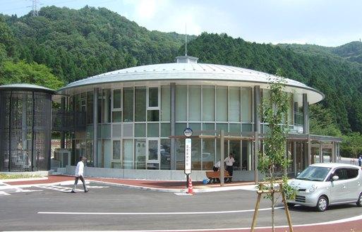 墓参り6・新管理事務所.jpg