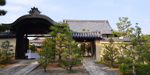大徳寺27総見院正門.jpg