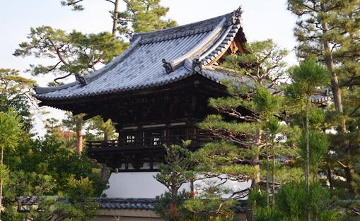 大徳寺29総見院鐘楼.jpg