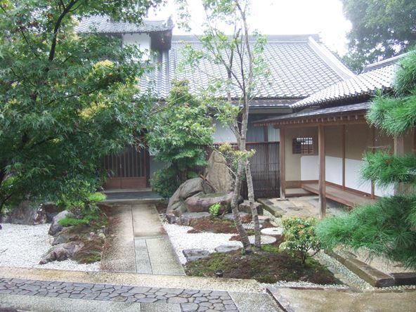 大興寺26・庭.JPG