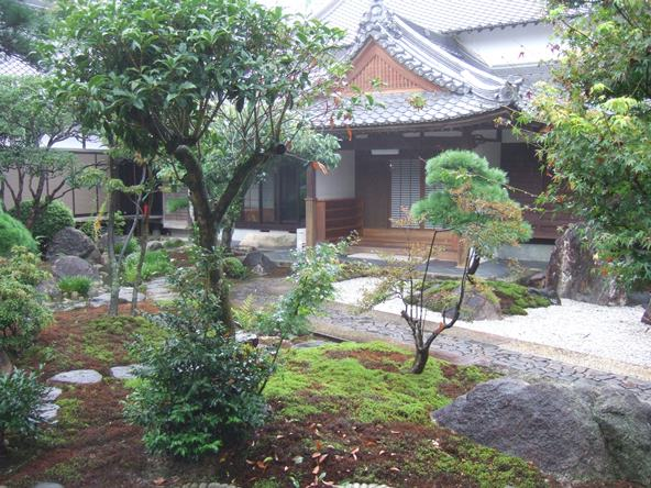 大興寺27・庭.JPG