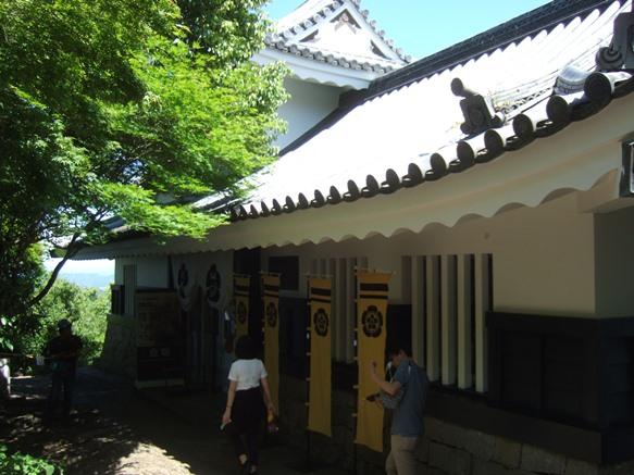 岐阜城31・資料館.JPG