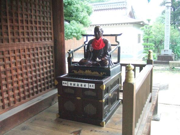 本山寺17・鬢頭盧尊.JPG