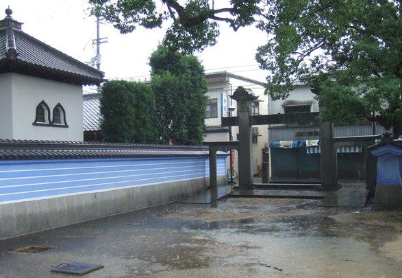 本山寺21・冠木門.JPG