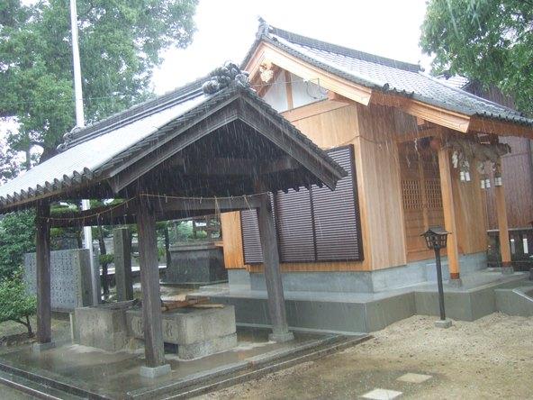 本山寺38・高良神社、手水舎と和魂神社.JPG