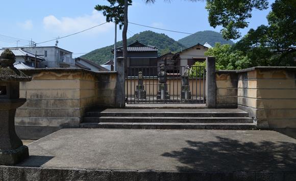 東院8・三帝御廟.JPG