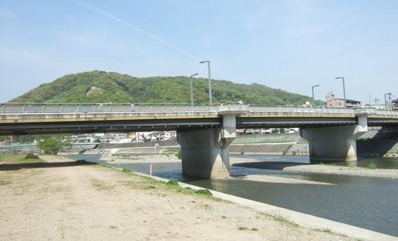 池田4・呉服橋と五月山.jpg