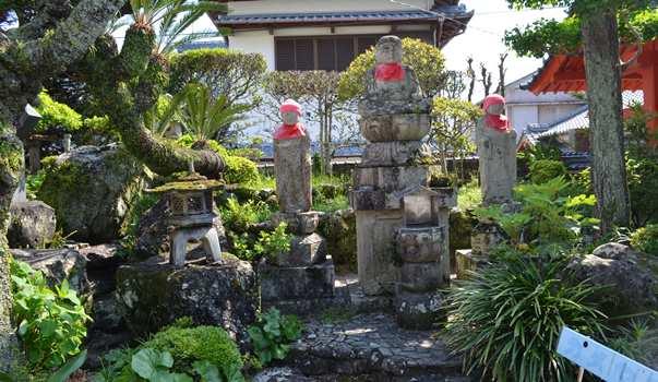津照寺12・山門横、大師堂向いの地蔵.JPG