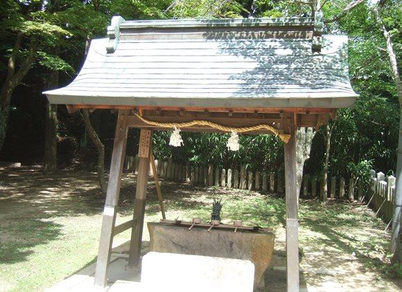 温泉神社7・手水舎.JPG