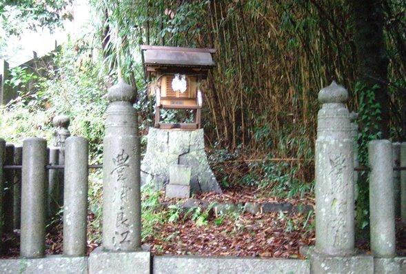 琴弾6・稲荷神社.JPG