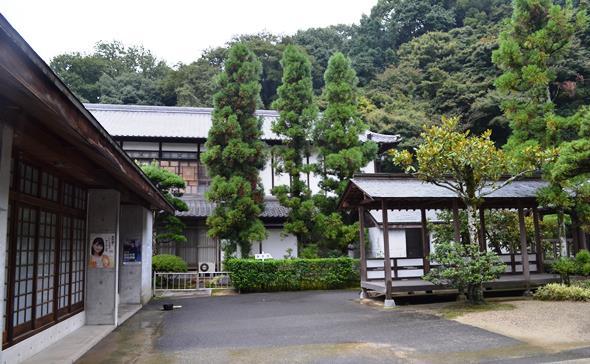神恵院4・客殿と庫裡.JPG