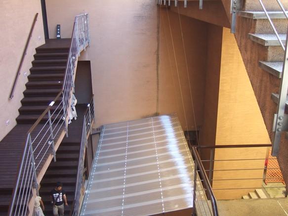 若冲7・階段で移動.JPG