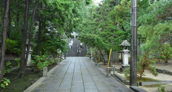観音寺4・仁王門から正面参道.JPG