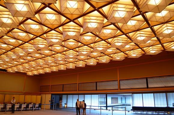 迎賓館29・藤の間、天井照明.JPG