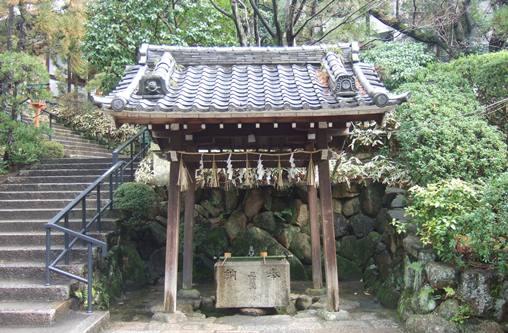 釈迦院4手水舎.jpg