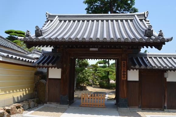 金倉寺42・本坊の表門.JPG