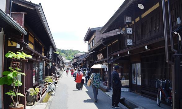 高山31・飛騨民族考古館、アンティークギャラリー加藤.JPG