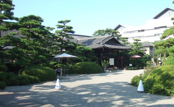 高松15・披雲閣玄関.JPG