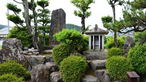 黒田家御廟所4.jpg