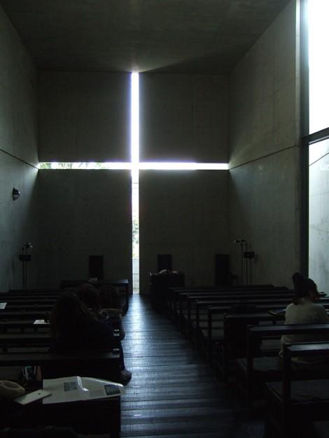 光の教会20・礼拝堂.jpg