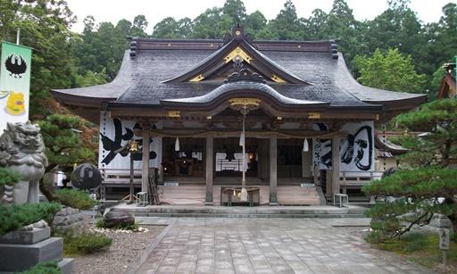 本宮16・拝殿.jpg