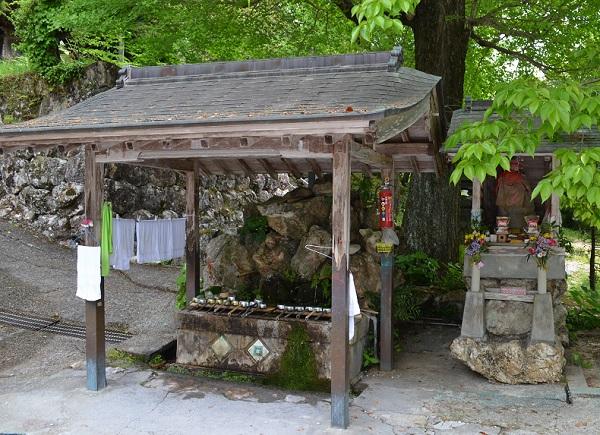 清瀧寺14・手水舎.jpg