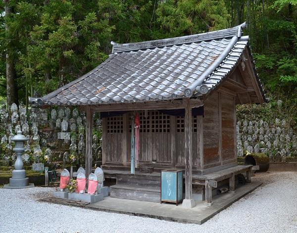 清瀧寺26・地蔵堂.jpg