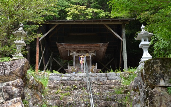 清瀧寺6・琴平神社本殿.jpg