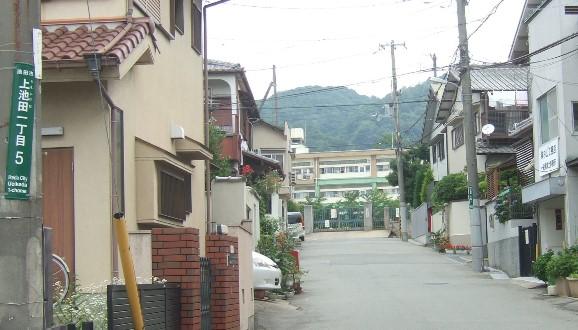能勢街道10・池中.jpg