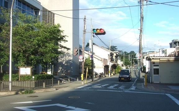 能勢街道51・めんも坂を振り返る.jpg