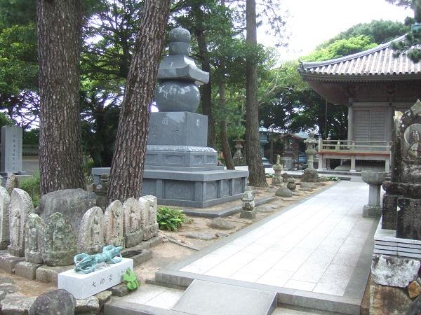 金剛福寺26・大師堂へ.jpg